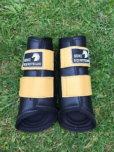 BRUSHING-BOOTS-NEOPRENE-PADDED-EXERCISE-SCHOOLING-TURNOUT-JUMPING-EVENT-S-M-L-XL