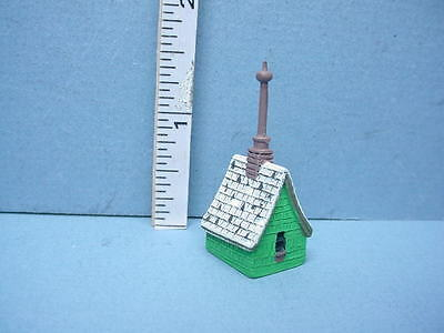 DOLLHOUSE Irish Cottage Birdhouse T8597 Town Square Miniatures