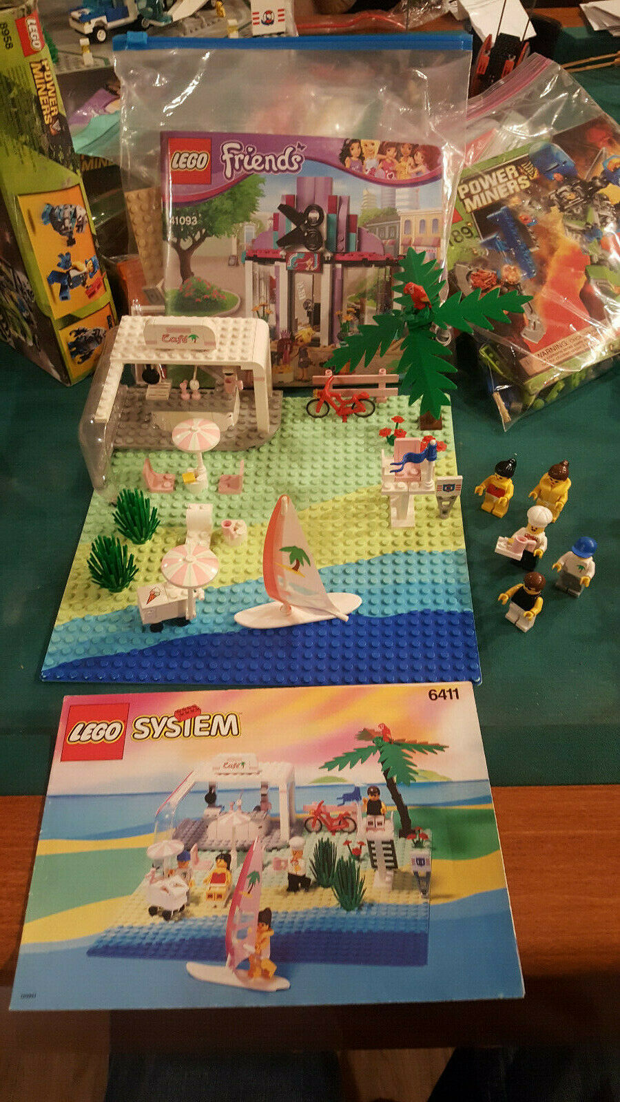 LEGO 6411 - Paradisa Sand Dollar Cafe - 100% Complete with Instructions - No Box