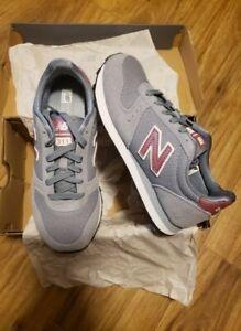 New Balance Women's 311v1 Sneaker, Size 7 | eBay