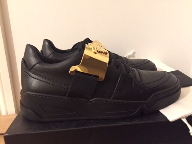 VERSACE Medusa-Motif Leather Low Top Trainers Sizes