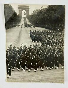PHOTO CHASSELIN 2 COMPAGNIE DEFILE 14 JUILLET 1945 A D P AGENCE PARIS H2505