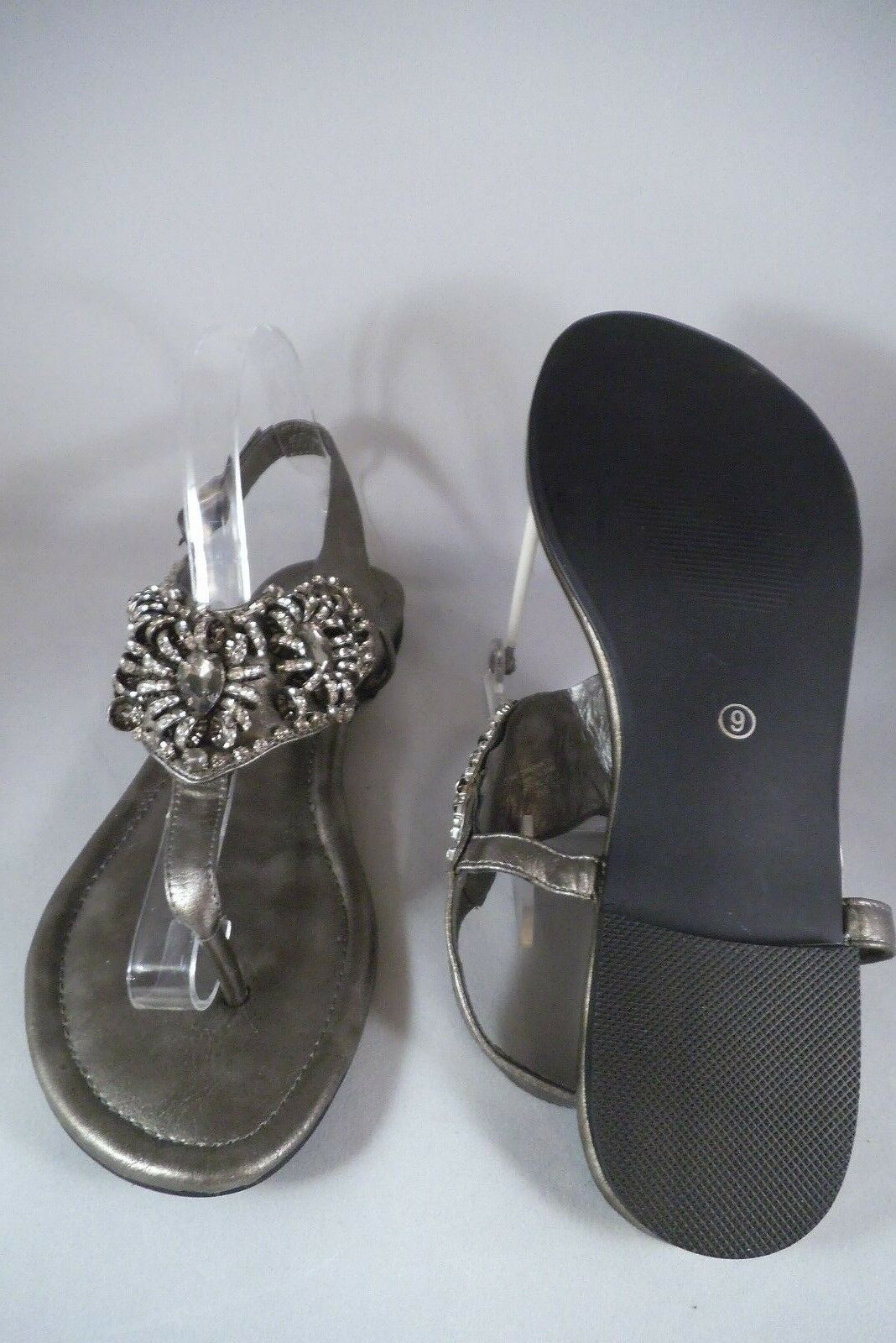 NEW TWO LIPS THONG SANDALS PEWTER CRYSTAL BEADING BUCKLE TRIM SIZE 9 ADJ BUCKLE BEADING STRAPS 517cf5
