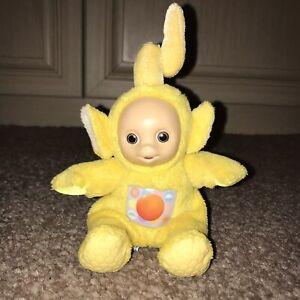 Vintage-Retro-Tomy-1996-Teletubbies-LaLa-Small-Yellow-Soft-Toy-Rattle-Teddy