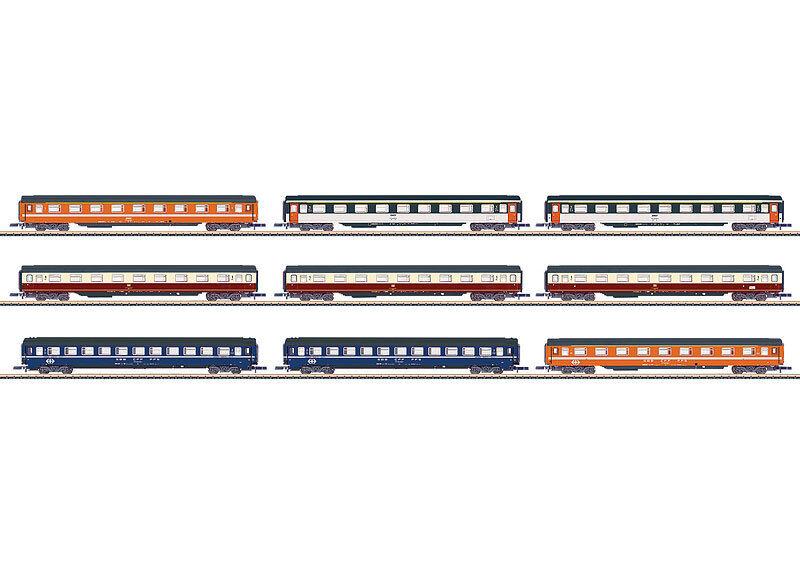 marklin Z 87409 autoriDisplay con 9 diverse Eurofima viaggiatori