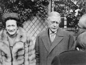The-Duke-and-Duchess-of-Windsor-smiling-8x10-photo