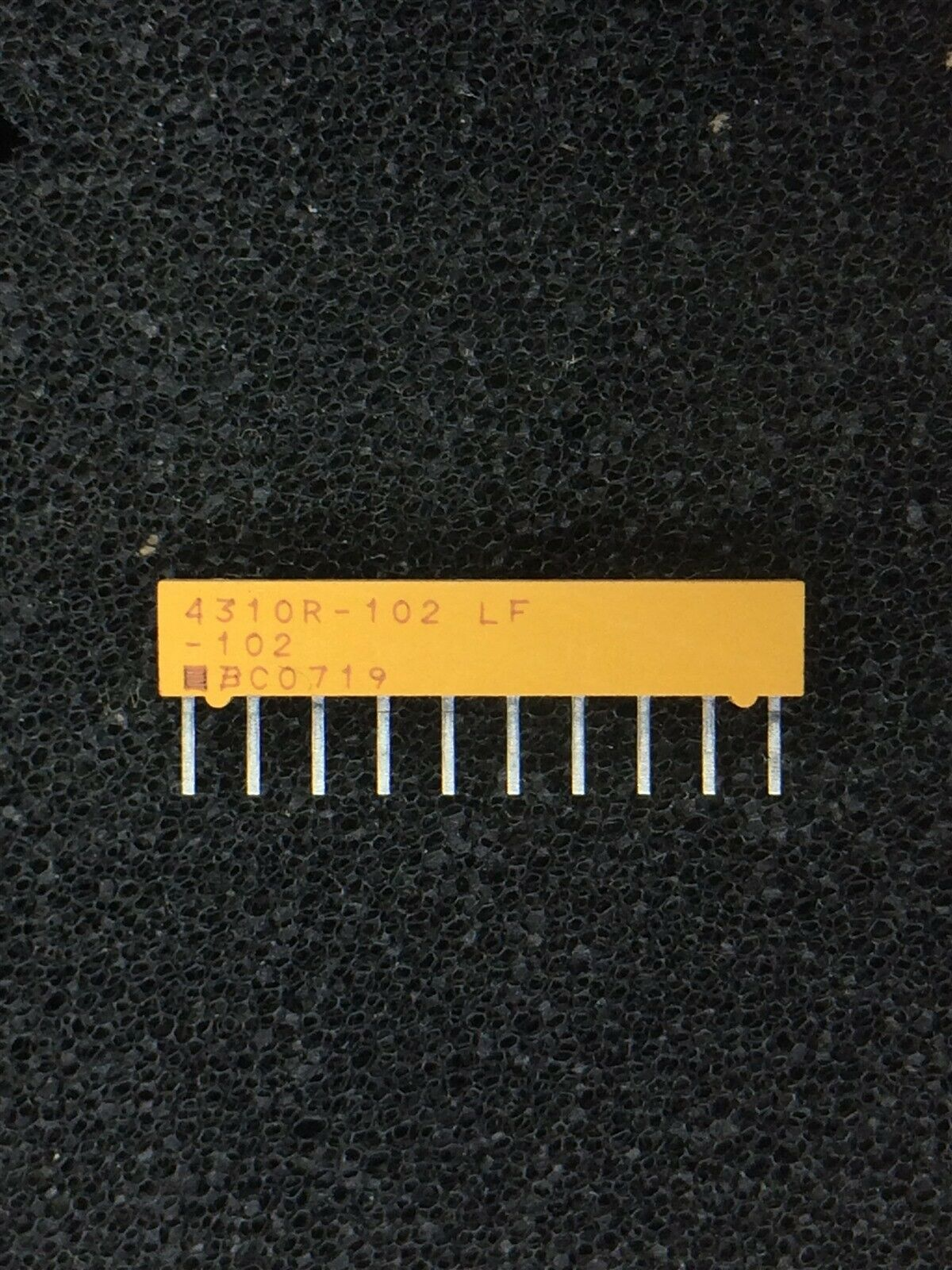 Resistor Networks /& Arrays 1K 10Pin 2/% Isolated 50 pieces