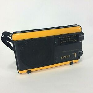 Portable-AM-FM-Electronic-Radio-Sports-Yellow-Vintage-Battery-Wrist-Strap-80-90