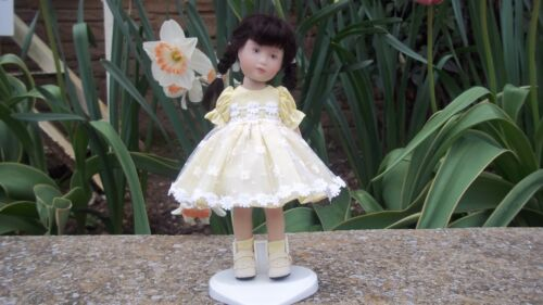 "Yellow Old Lace Party Dress for Heather Maciak 8"" Dolls"