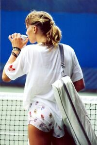 GREAT BUTT !!! SIPPING A DRINK STEFFI GRAF
