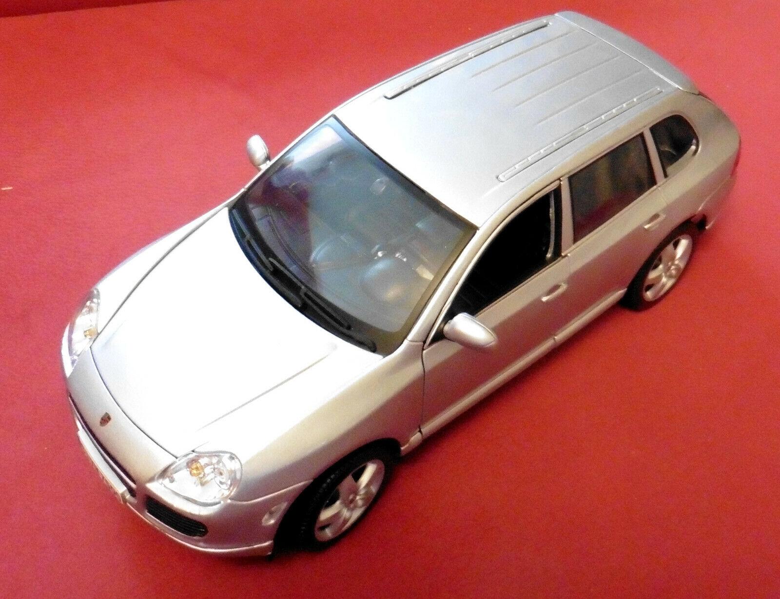 MAISTO Porsche Cayenne 2002, 1. Generation, 1 18, mint