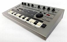 Roland MC-303 Groovebox Synthesizer 303 808 909 Jupiter Juno +1.5 Jahre Garantie