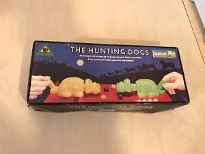 Vintage-Chad-Valley-The-Hunting-Dogs-Game-Fast-and-Fun-2-Players