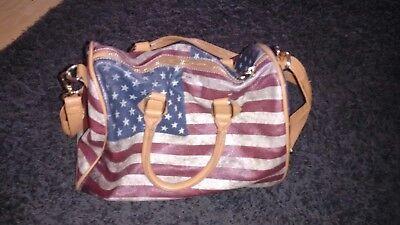 Handtasche mit Flaggenmotiv