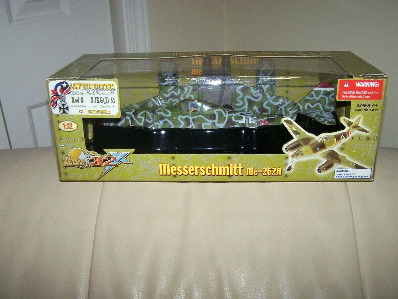 2007- ULTIMATE SOLDIER 32XW -  MESSERSCHMITT- ME-262A- ME-262A- RED B- FACTORY SEALED-MIB