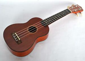 SOPRANO-UKULELE-IN-HIGH-GLOSS-FINISH-BY-CLEARWATER-WITH-AQUILA-STRINGS