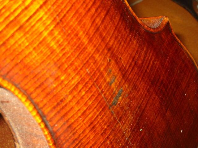 Extrem alte , schöne Geige