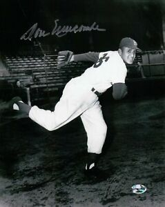 Don-Newcombe-Signed-8X10-Photo-Autograph-Dodgers-B-W-One-Leg-Pose-Auto-COA