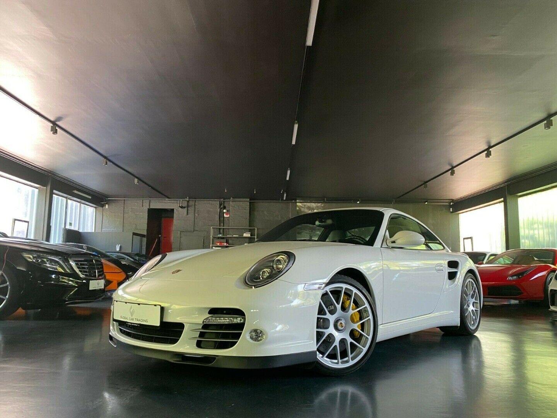 Porsche - 911 Turbo S