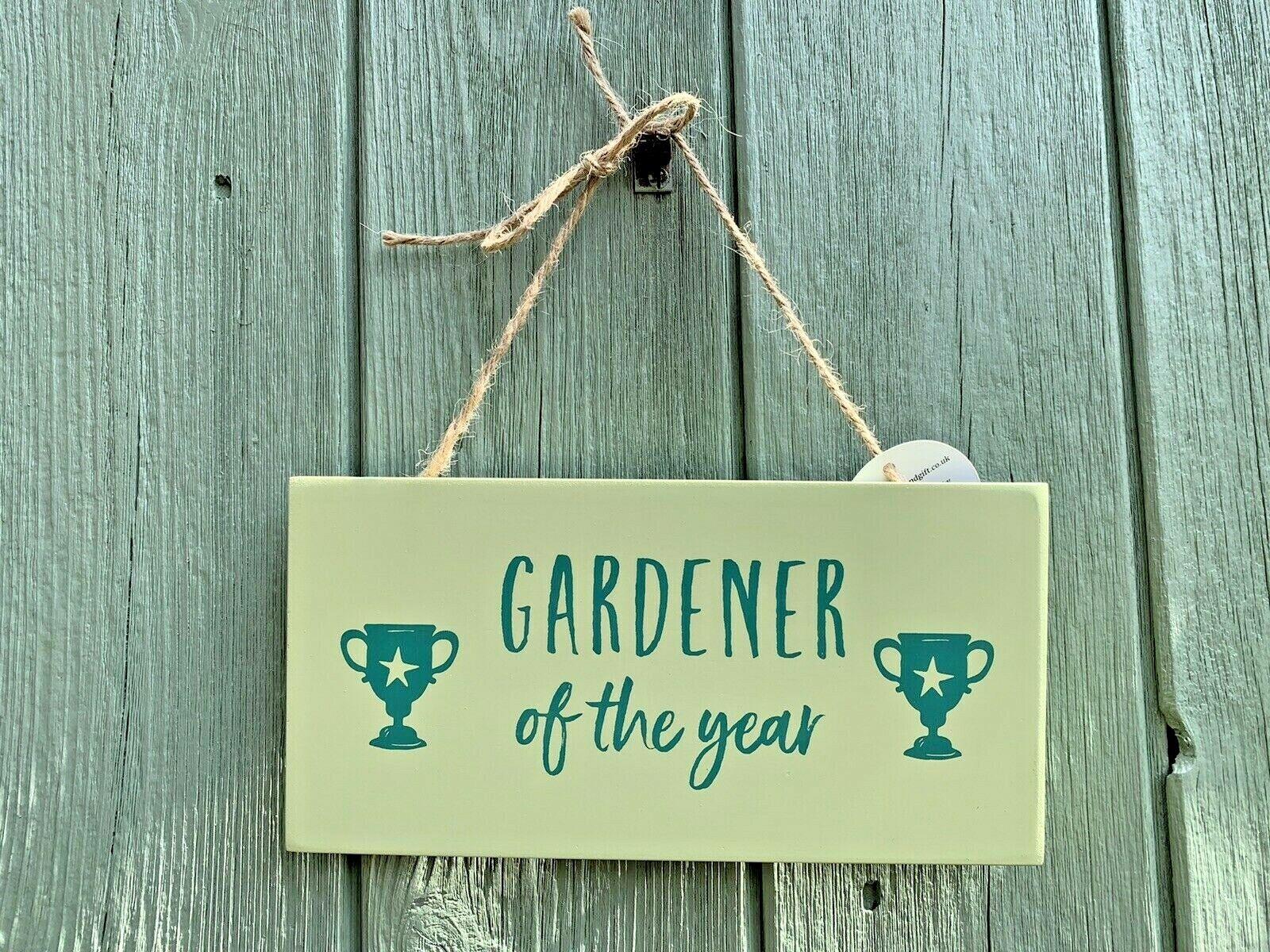 Gardener of the Year' Garden Sign, Light Green MDF Wooden Outdoor Decor Gift