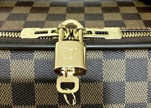 Authentic-Louis-Vuitton-1-Lock-1-Key-Brass-Gold-tone-Padlock-ONE-SET-LV