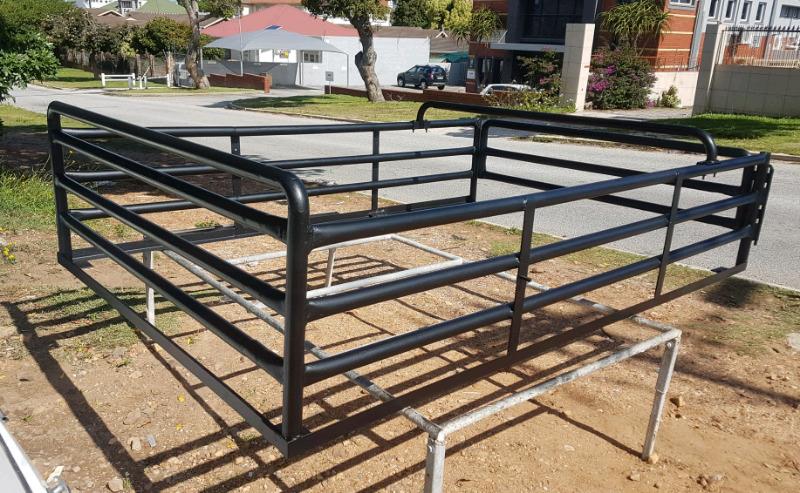 Bakkie cattle-rails