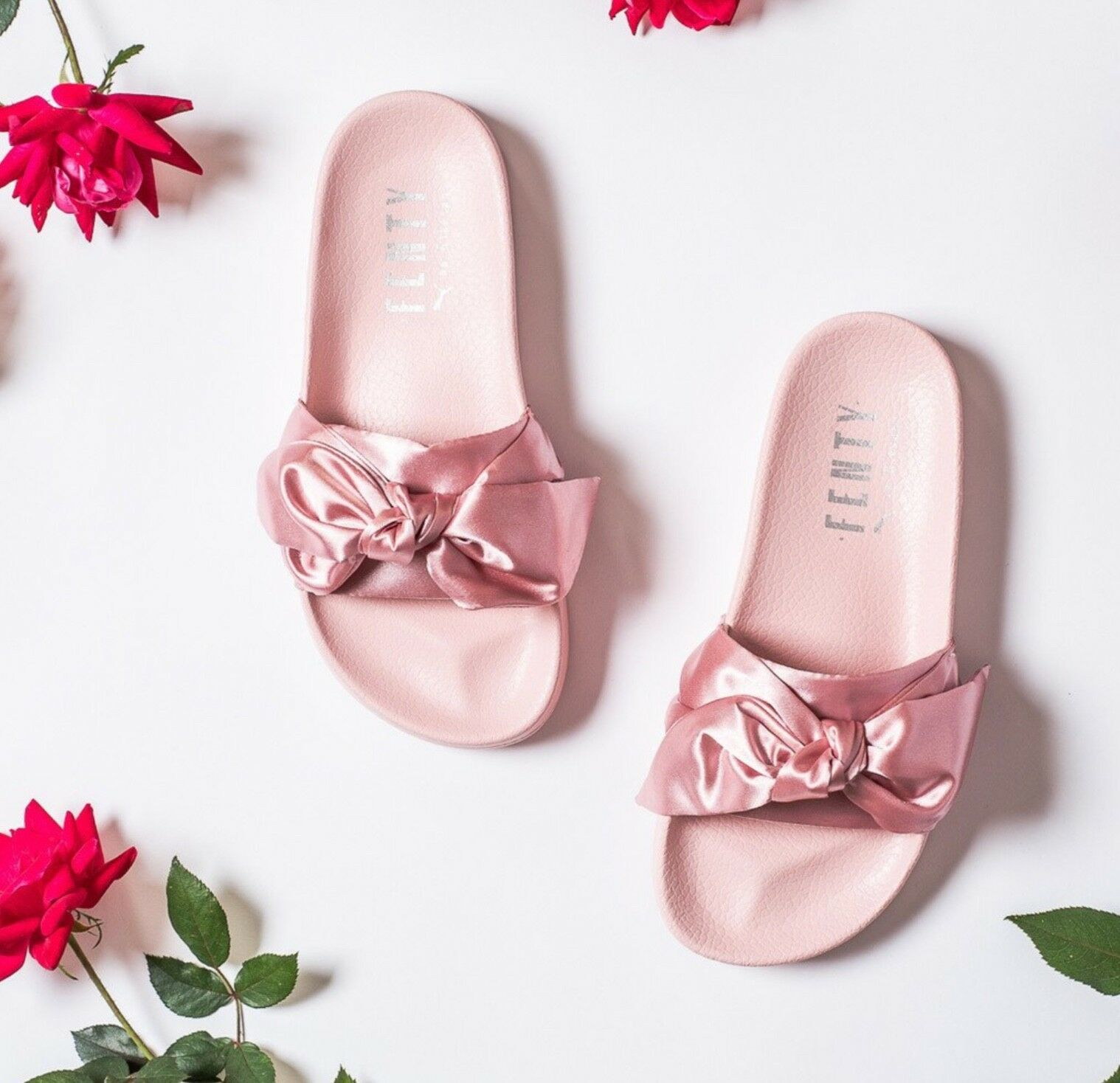 New with Box! The Rihanna x Puma Women's Fenty Bow Slide Sandals Women's Puma Size US6.5 Pink 05c713