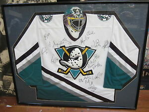 sports shoes fa6c6 84919 Details about 1997-98 Mighty Ducks of Anaheim Team Signed Jersey Framed  w/19 signatures GAI