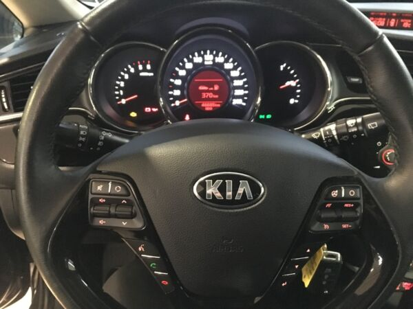 Kia Ceed 1,6 CRDi 136 Limited SW billede 8