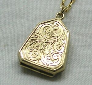 Lovely-9-Carat-Gold-Engraved-Shield-Shaped-Locket-And-Chain
