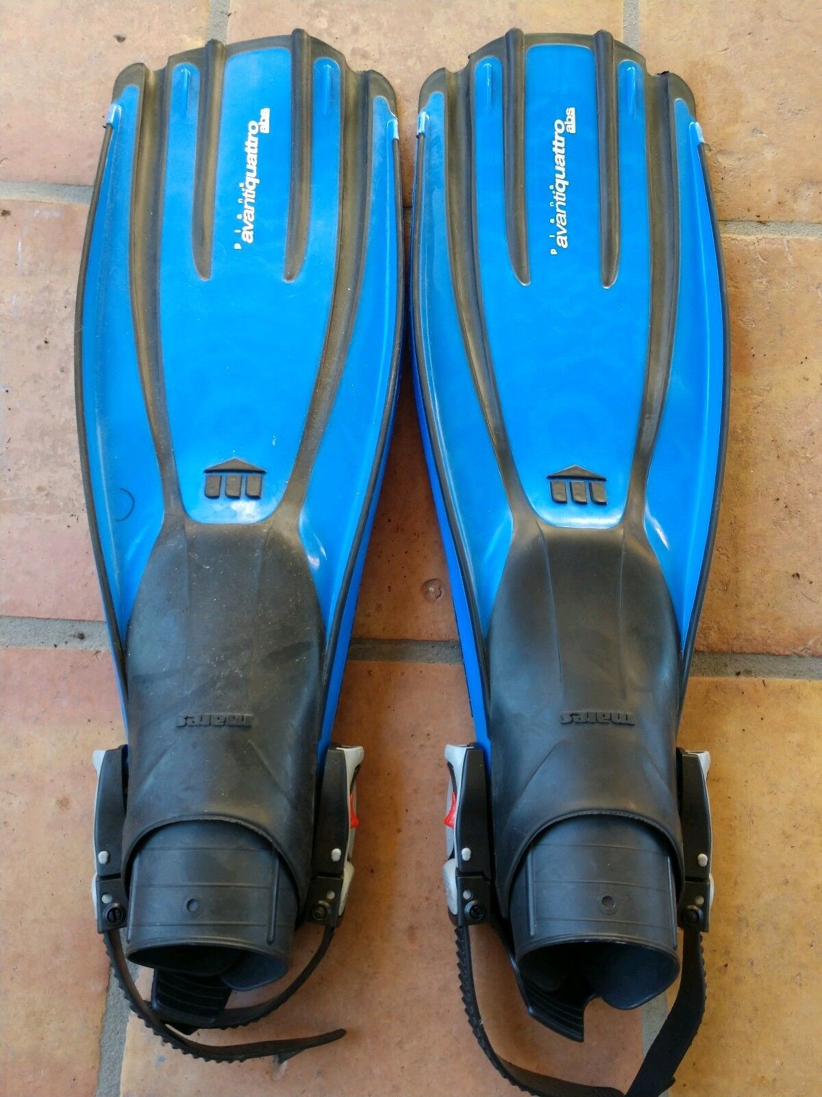 Mares Plana  Avanti Quattro blueee Scuba Diving Fins Size Small Made in   save up to 50%