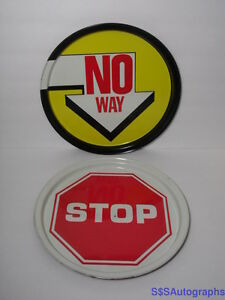 2-Vintage-1970s-STREET-SIGN-ROAD-CONTRUCTION-TIN-TRAYS-Stop-Sign-amp-No-Way