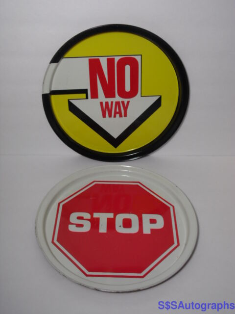 2 Vintage 1970s STREET SIGN ROAD CONTRUCTION TIN TRAYS Stop Sign & No Way