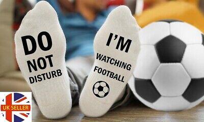 """/""""Ne Pas Déranger Je Suis regarder le football/"""" Lounge Trainer Chaussettes Cadeau Taille UK 4-11"""