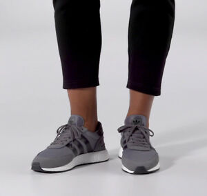 adidas-INIKI-RUNNER-BY9732-Grey-Turnschuhe-Unisex-NEU-BOOST-Sohle-Sneakers-PK