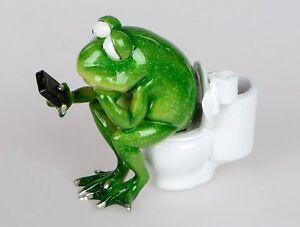 formano-Deko-Figur-FROSCH-RUDI-auf-Toilette-12-cm-Deko-Artikel-Geschenk-neu