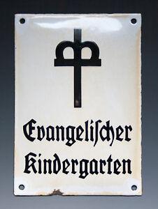 Kurioses-ALTES-Emailschild-Evangelischer-Kindergarten-wohl-um-1920-1930