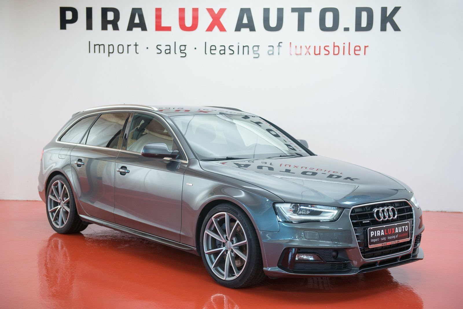 Audi A4 3,0 TDi 245 S-line Avant quat S-tr 5d - 379.900 kr.