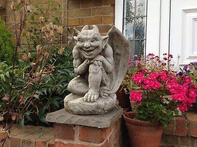(nuovo) Smiler Gargoyle Con Le Ali, Da Giardino In Cemento Pietra Gargoyles, Con Le Ali-