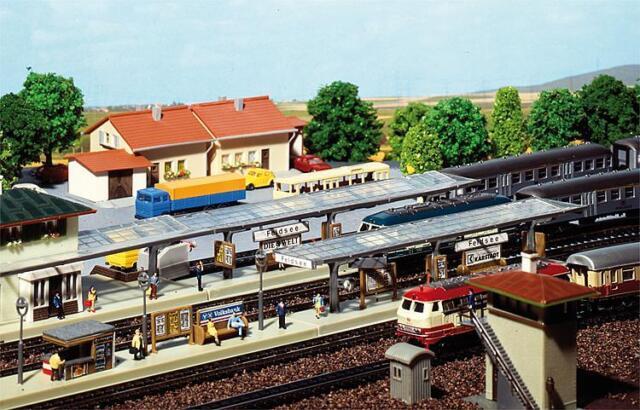 Faller 222119 N Gauge > 3 Train Platform < # New Original Packaging #