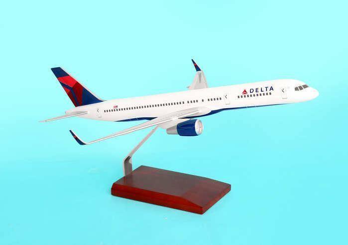 G20010 Desktop Models Delta Airlines B757-200 1 100 Model Airplane