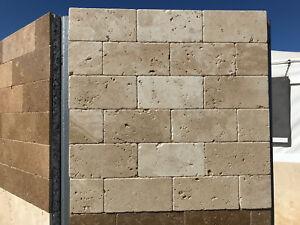Piastrelle mosaico in pietra travertino chiaro per rivestimenti