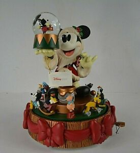Disney-Mickey-Mouse-Deck-The-Halls-Motion-Carousel-Snow-globe-Snow-Globe