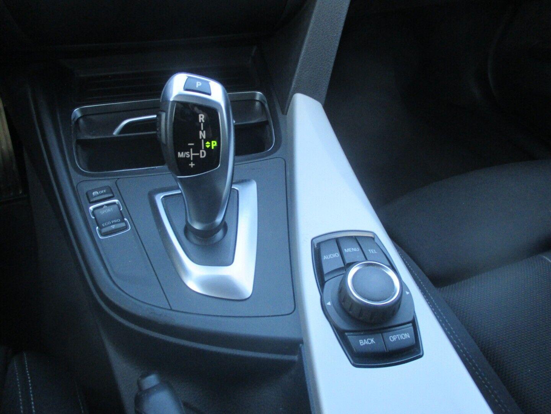 BMW 320d 2,0 Touring aut. - billede 10