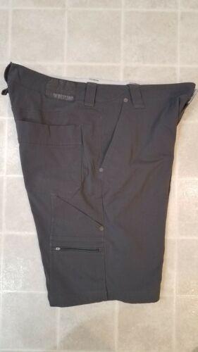 Details about  /12 inch Mountain Hardwear Cargo Painter Shorts Men/'s size 38 Gray