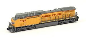 Kato-N-Scale-176-7038-GE-AC4400CW-Union-Pacific-UP-Road-6735-DCC-Ready-New