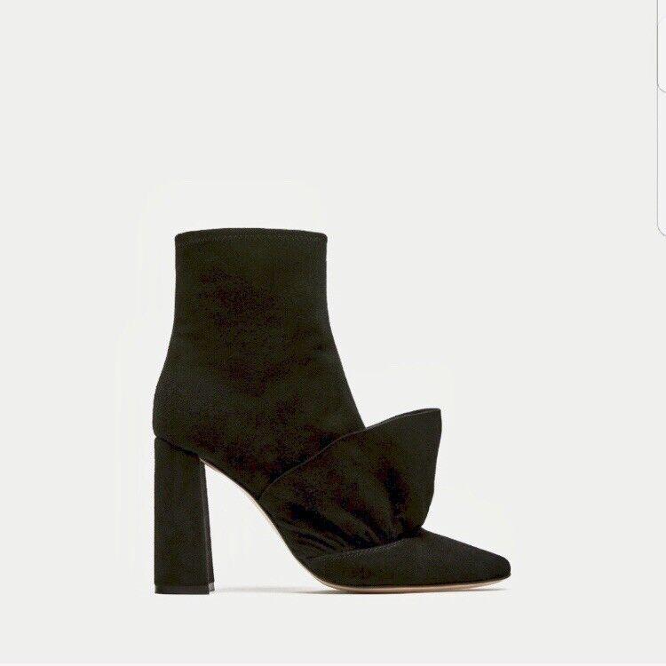 ZARA RUFFLED ALTO HEEL LEARO  ANKLE stivali 7 nero Suede Stivali Trend Scarpe 38  garanzia di credito