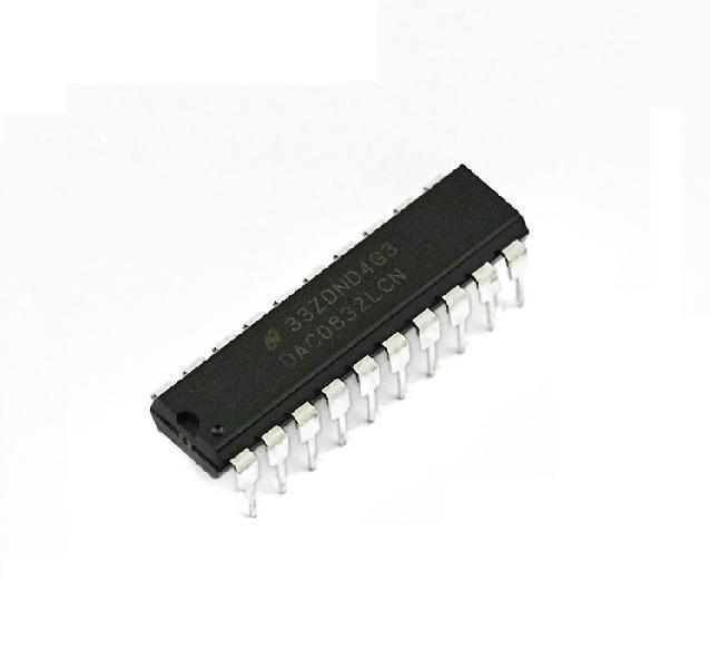 5PCS ADC0804LCN 8-Bit uP Compatible A//D Converters NSC DIP NEW