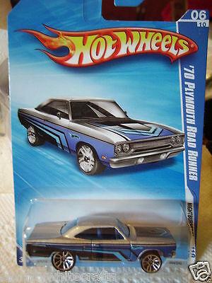 HOT WHEELS 2010 NIGHT BURNERZ 06 OF 10 BLUE 70 PLYMOUTH ROAD RUNNER