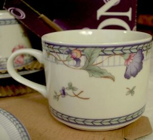 NEW-Oneida-Blue-Lattice-Cups-amp-Saucers-Set-Cup-amp-Saucer-2-pc-Vintage-Porcelain